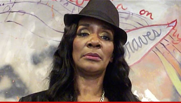 Momma Dee Rushed To Hospital