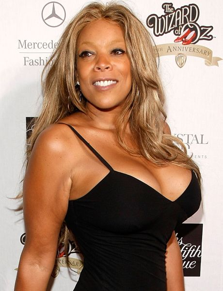 WENDY WILLIAMS FALL OFF STAGE