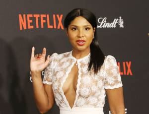 Toni Braxton Hospitalized Again With Lupus Complications, Continues With Tour Next Day